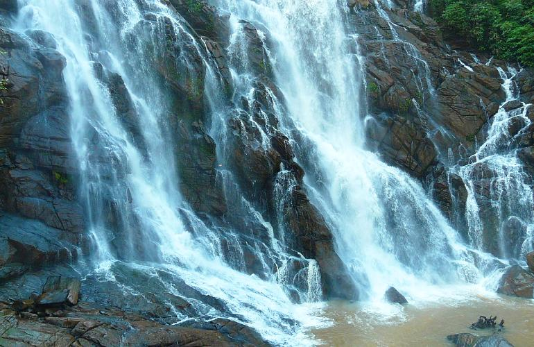 wayanad-waterfall